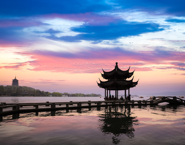 Discover 3 Gay Places in Hangzhou (杭州)